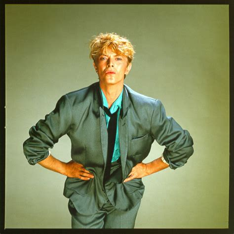 David Bowie's Oversized Suit And Model Pose   HuffPost