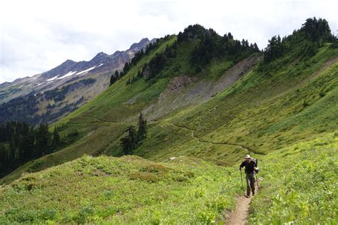 The most 'wow-worthy' Pacific Crest Trail hikes in