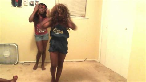 TINA TURNER /PROUD MARY/ LIL GIRL WIG FALL OFF - YouTube