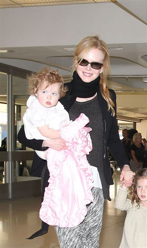 Nicole Kidman and Keith Urban Sydney Airport Pictures With