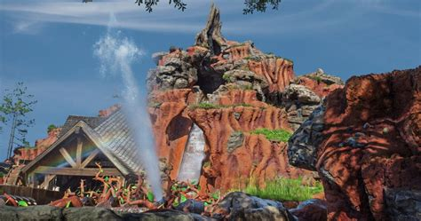Splash Mountain: 10 Moments From Princess And The Frog