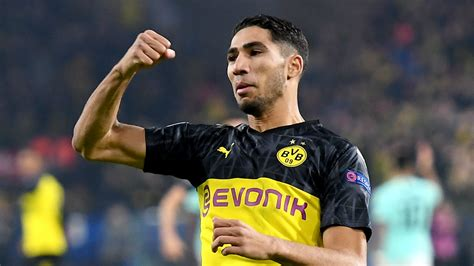 Hakimi grabs assist as Borussia Dortmund end 2019 with