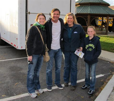 Fan photos of Zac Efron and Dennis Quaid on the set of