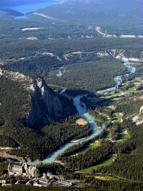 Travel Me Places in Canada – The WoW Style
