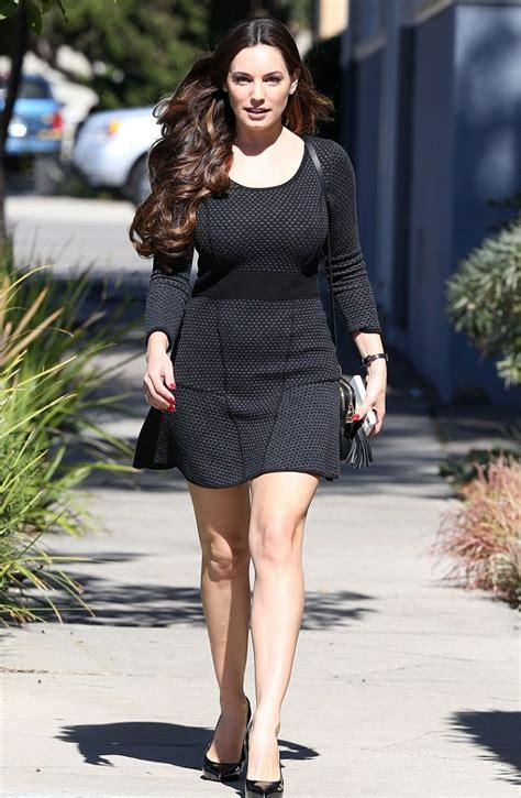 Kelly Brook Weight | height and weights