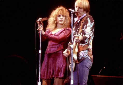 Stevie Nicks biography bares all about the singer — drugs