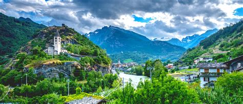 High Trails of Aosta Valley | Walking Holiday in Italy