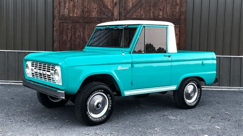 Ford Bronco Half Cap Pickup: Pure Turquoise Envy